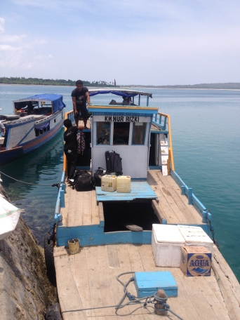 Kapal reguler ke Pulau Hoga