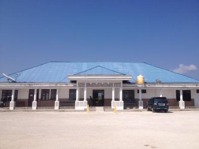 Bandara Wakatobi lama