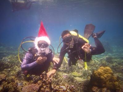 Meet Santa underwater
