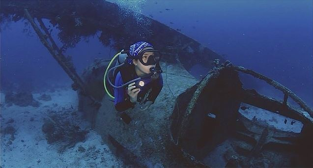 Dayu Hatmanti at Catalina Wreck Biak Papua. Photo by Popo Nurakhman