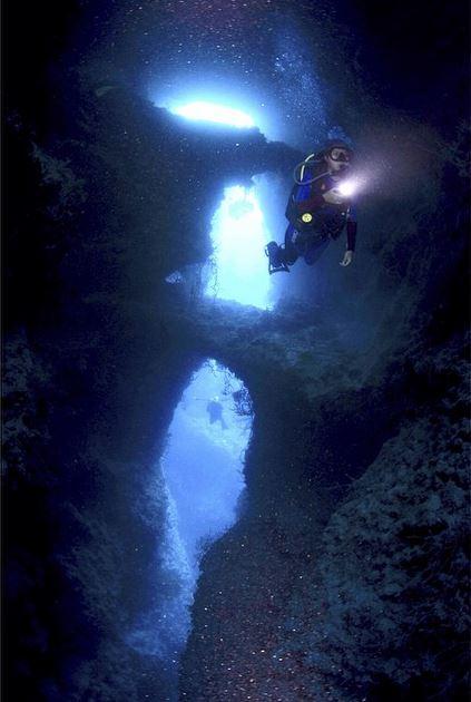 Dayu Hatmanti at Wundi Cave. Photo by Popo Nurakhman
