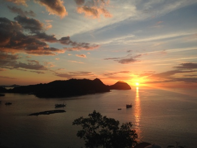 Sunset dari Paradise Bar & Cafe Labuan Bajo