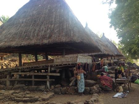 Rumah Adat di desa Takpala